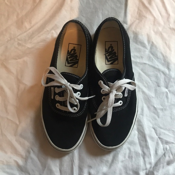 137efe2ec7 Vans Shoes - Vans authentic black men s size 5 women s 6.5